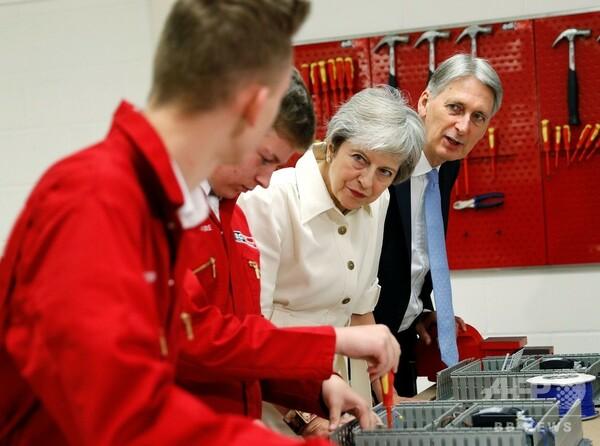 ブレグジット後はEU出身労働者の優先受け入れ中止、英首相