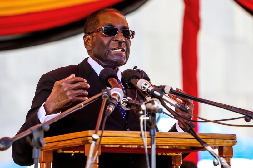 大統領の車列無視し禁錮2年、生涯運転禁止も ジンバブエ