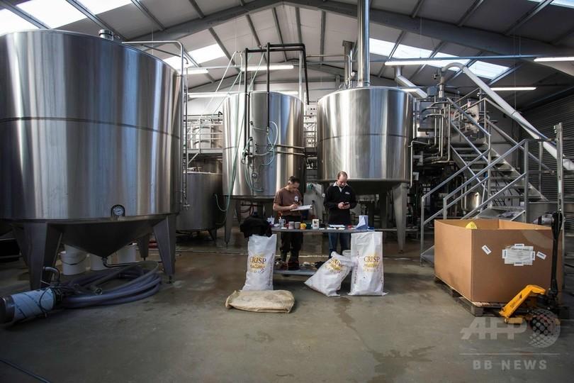 廃棄パンからビールを製造、英国の食品リサイクル