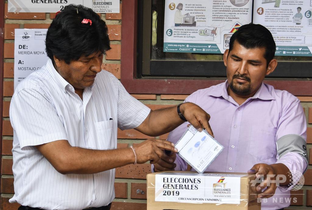 ボリビア大統領選、現職モラレス氏が優勢も決選投票の公算