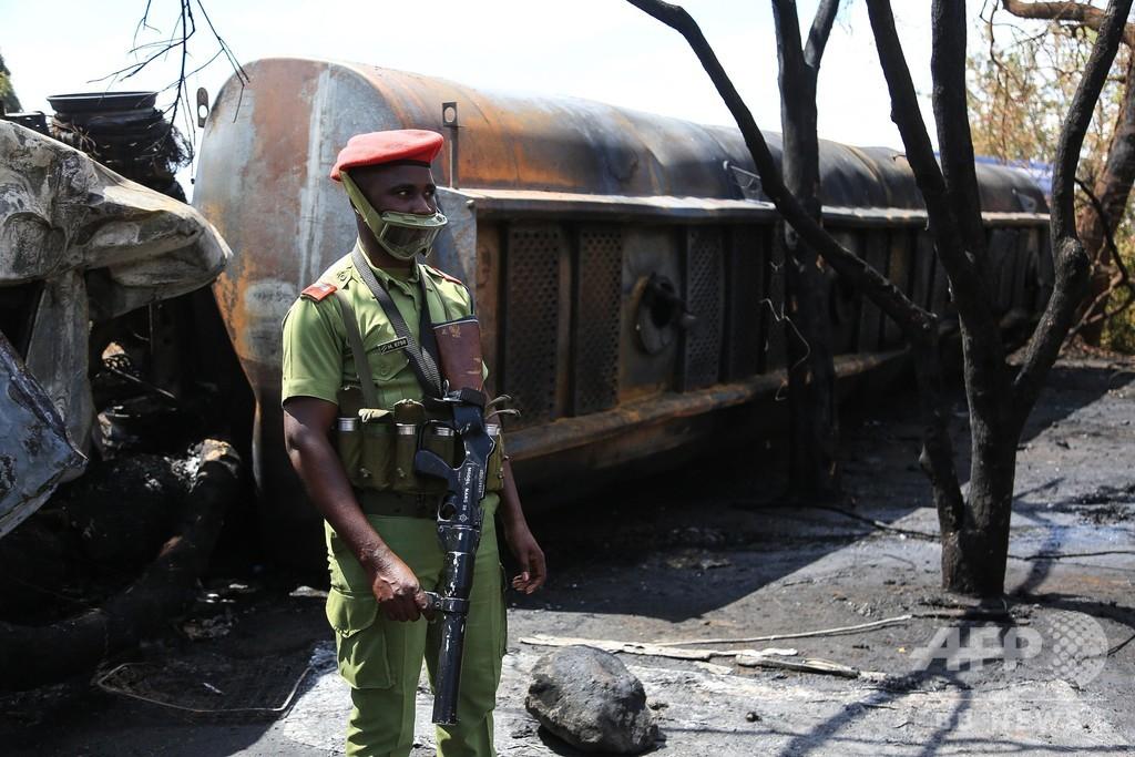 タンクローリーが事故後に爆発、60人死亡 タンザニア
