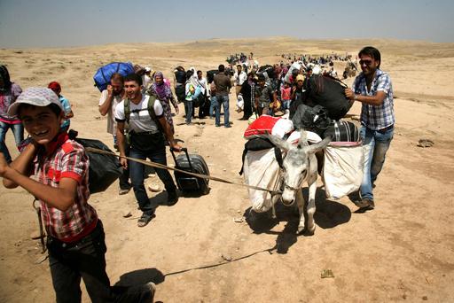 シリアのクルド人が大挙してイラクに流入、激化する戦闘逃れ