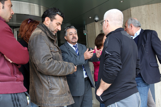 救済条件は「全銀行預金への課税」、キプロス市民の怒り沸騰