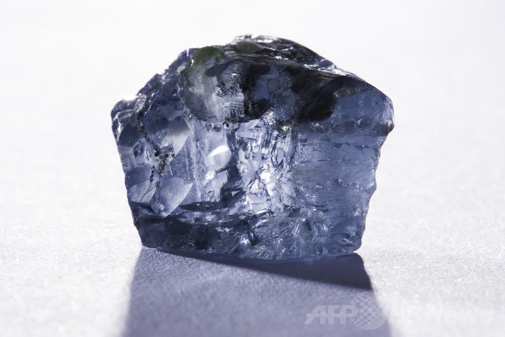 29.6カラットの「比類なきブルーダイヤ」、南アで発見