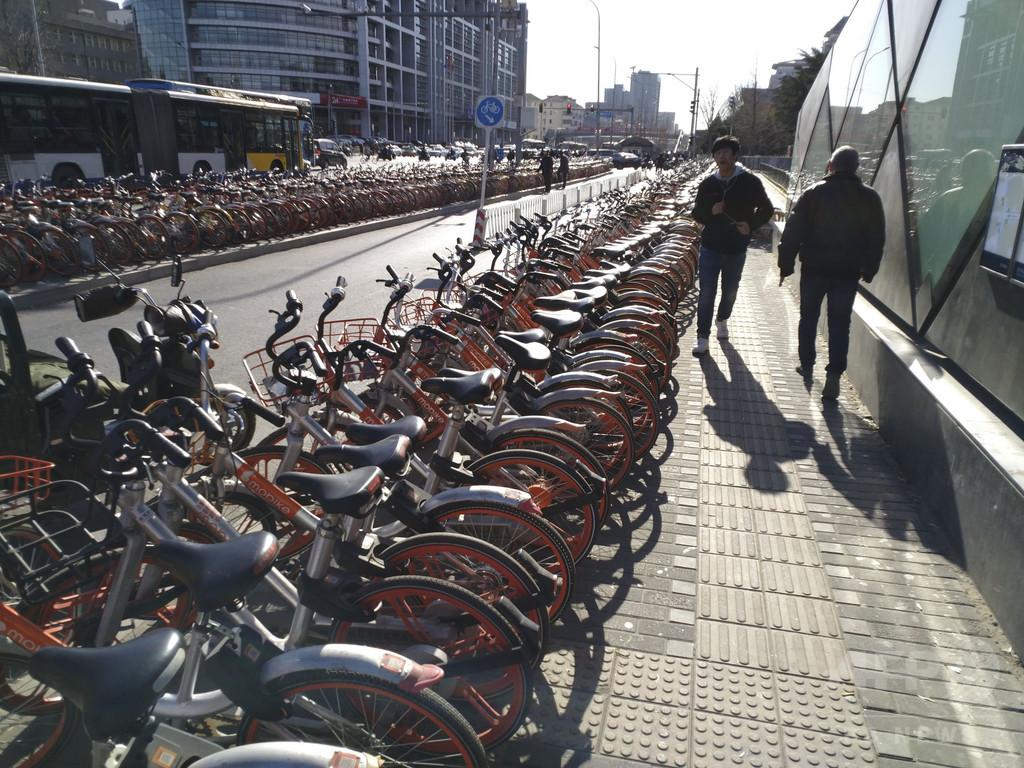 保証金で「自転車」操業? 中国、一部シェア自転車企業で返還されず