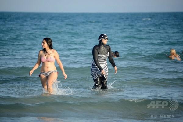 フランスで相次ぐイスラム女性用の水着禁止に波紋