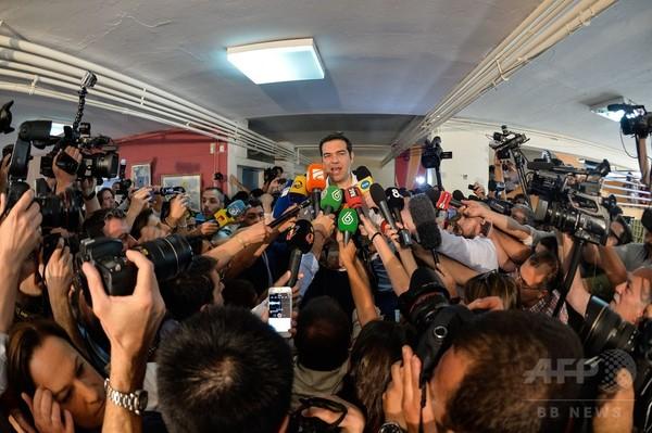 財政緊縮策への賛否を問う国民投票始まる、ギリシャ