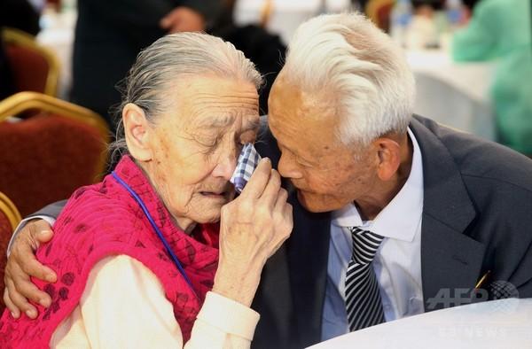 南北離散家族に別れの面会、高齢者は「最後」の覚悟