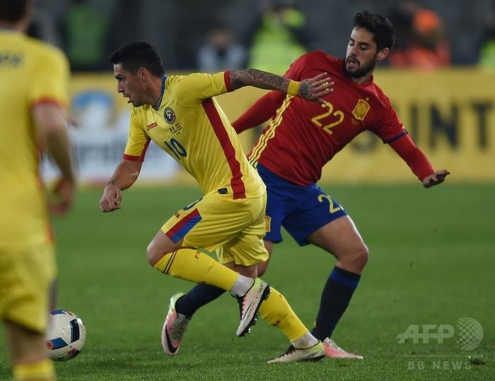 スペインがルーマニアとスコアレ...