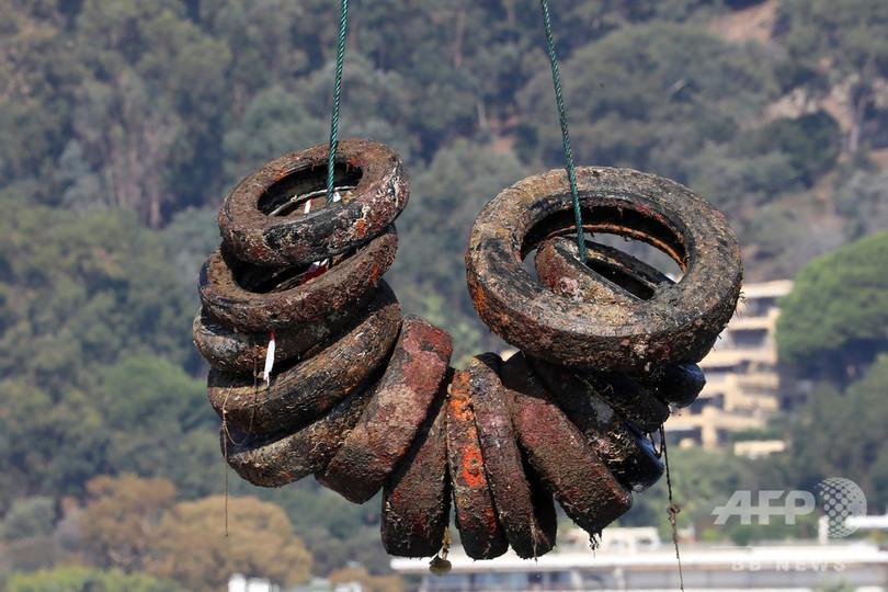 「サンクチュアリ」が汚染源に...南仏、人工魚礁のタイヤ2.5万本撤去