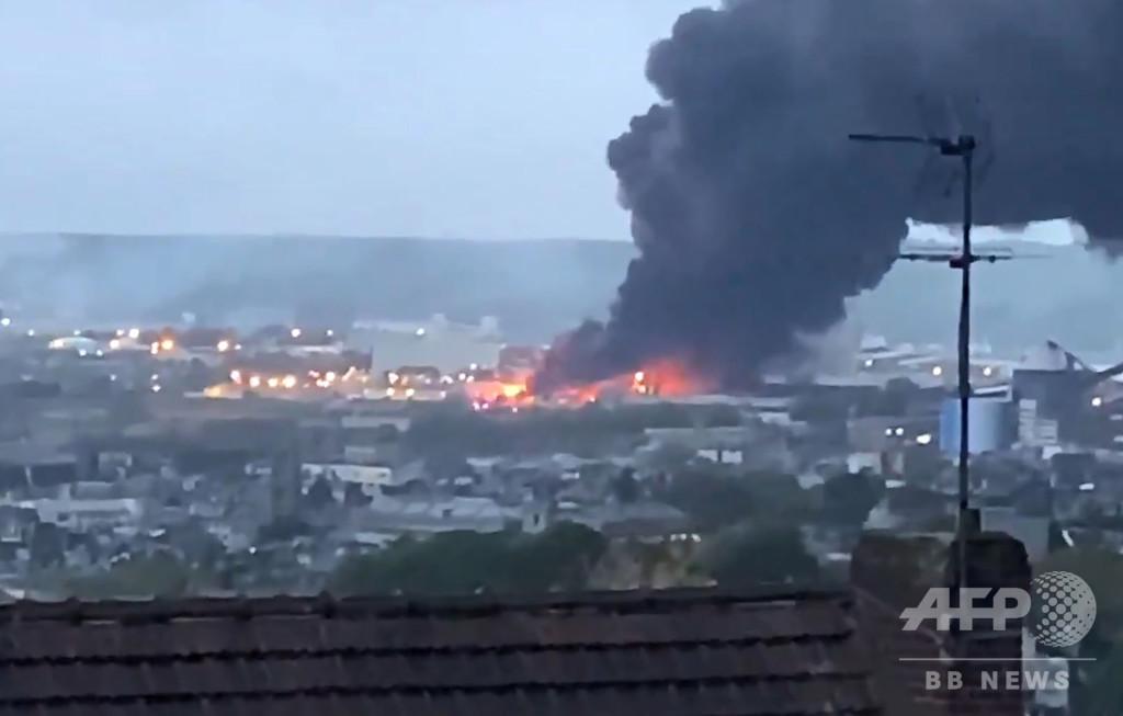 フランスの化学工場で火災、セーヌ川に汚染物質流出の恐れ
