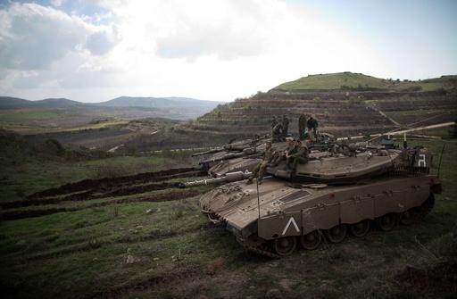 イスラエル、シリア軍基地を空爆 1人死亡 爆弾攻撃に報復