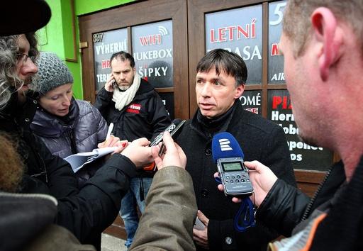チェコのレストランで銃乱射、8人死亡 容疑者自殺