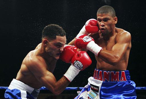 <ボクシング>ファン・ロペスが2ラウンドTKO勝ちを収める - プエルトリコ