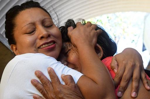 流産で禁錮30年の女性、11年服役後に最高裁命令で釈放 中米