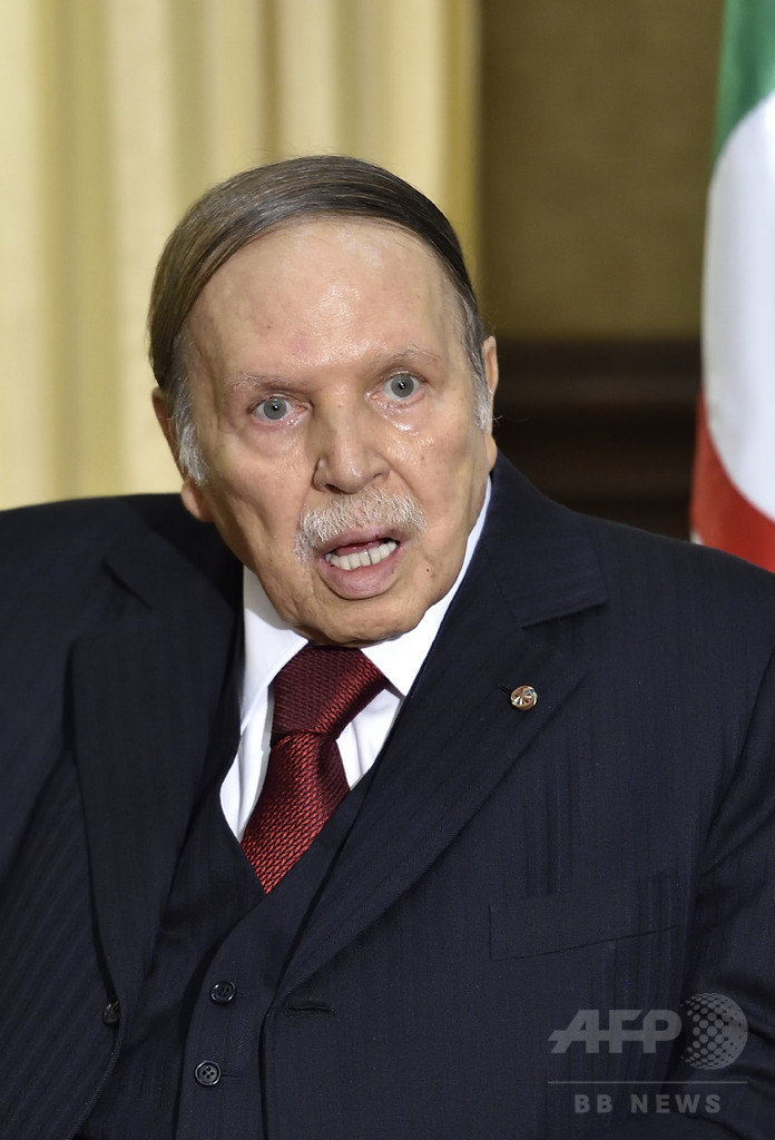 大統領侮辱で逮捕のジャーナリスト、ハンスト後死亡 アルジェリア