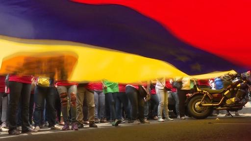 動画:ベネズエラで大規模停電に抗議のデモ、グアイド・マドゥロ両氏 新たなデモ呼び掛け