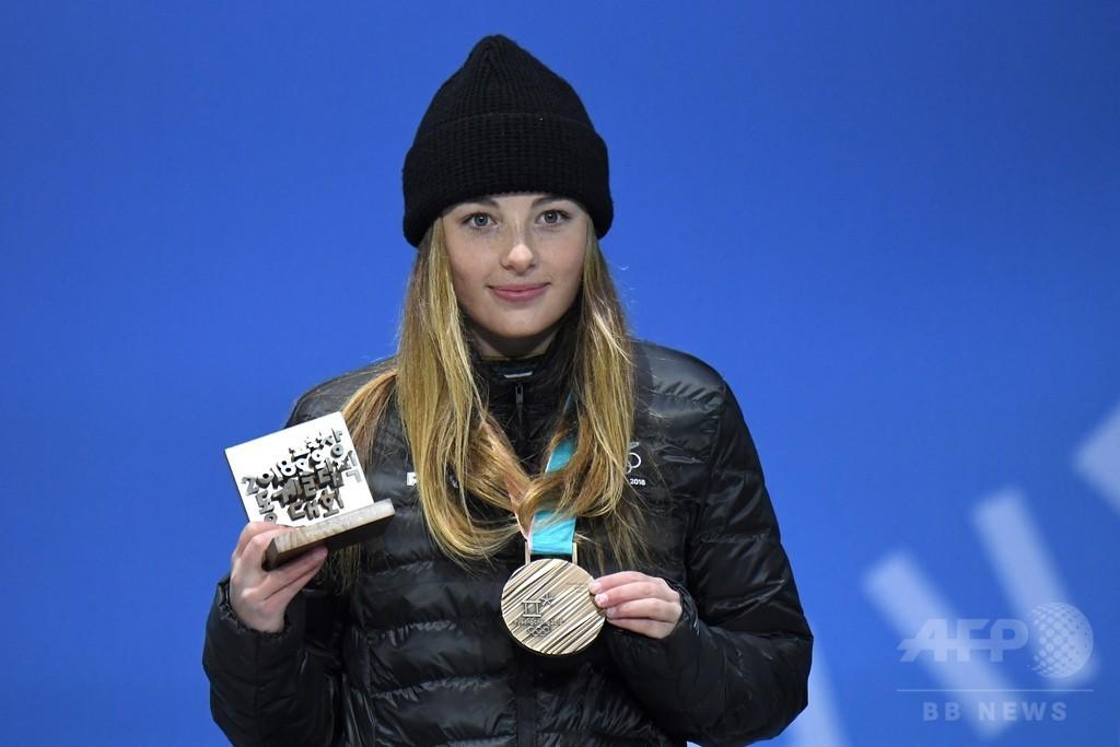 NZ、冬季五輪で26年ぶりメダル 最年少記録も