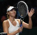 シャラポワ勝利もラドワンスカが4強入り、WTAツアー選手権