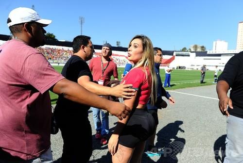 ブラジルの「美尻」大会出場者、ポルトガル代表の練... ブラジルの「美尻」大会出場者、ポルトガル