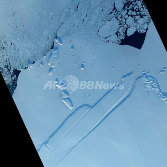 南極で18キログラムの隕石を発見、過去25年近くで最大 国際探査で