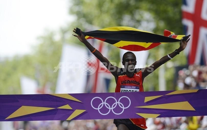 ウガンダのキプロティチが男子マラソン金メダル、中本が6位入賞