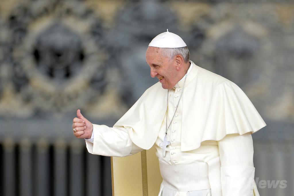 ローマ法王、退位の時期は「神の助言を乞う」