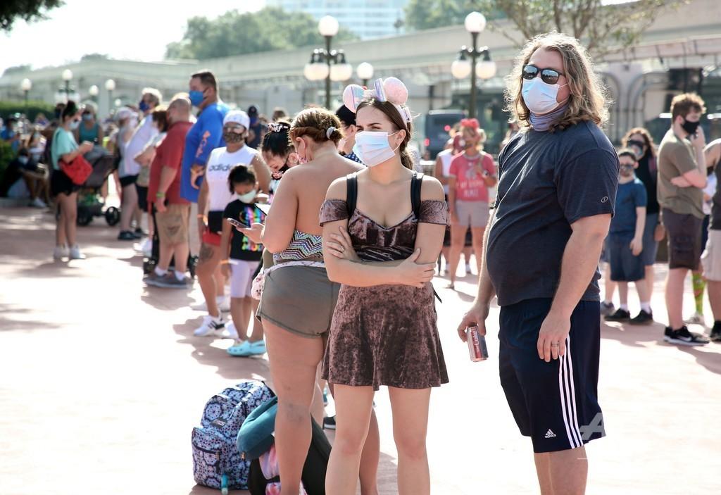 コロナ禍のなか営業再開、米フロリダのディズニー・ワールド