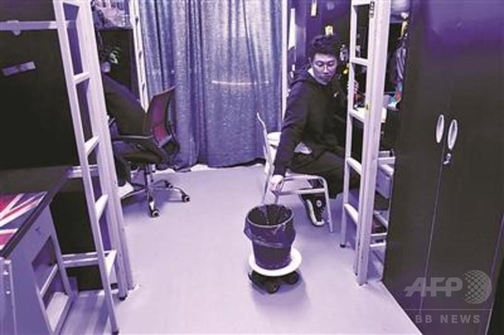 動くゴミ箱、バーチャルキーボード… 学生のアイデア満載の寮 北京の大学