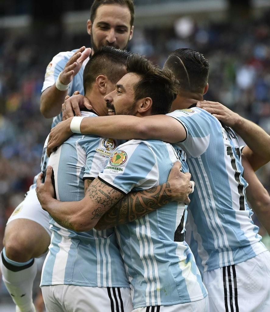 アルゼンチンがボリビアに快勝、前回王者チリはパナマ破り8強