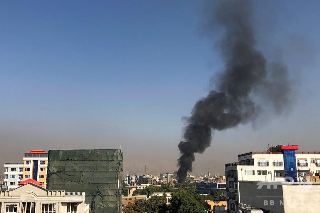 副大統領の車列に自爆攻撃6人死亡、12人負傷 アフガニスタン