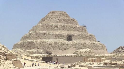 動画:ミイラ製作場の遺跡から発見の考古遺物、エジプトで展示