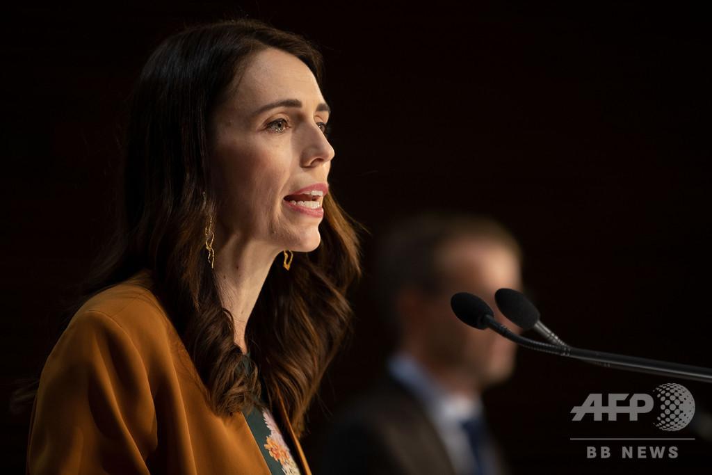 NZ首相、軍に国境管理の監督指示 新規感染者2人確認で