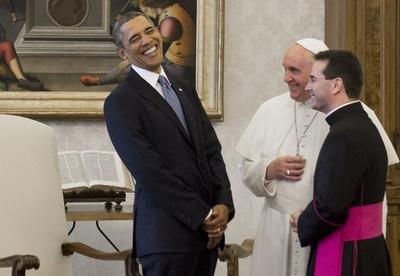 オバマ大統領、フランシスコ法王と初会談 避妊問題が影落とす