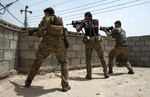 イラク軍、ISからモスル西部9割奪還と発表 「完全敗北寸前」