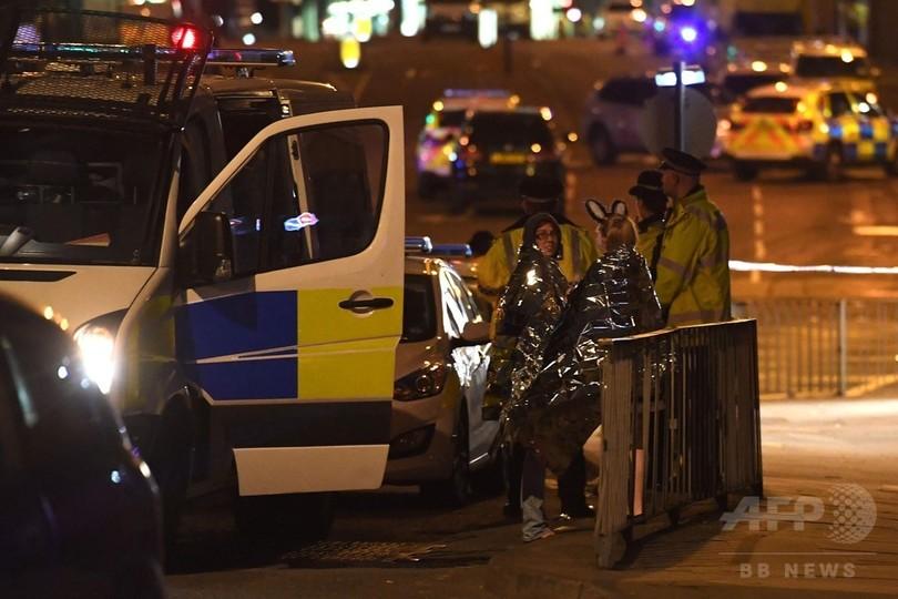 英マンチェスターのコンサート会場で爆発、19人死亡 テロの疑い