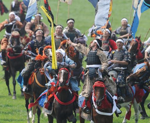 福島の相馬野馬追、神旗争奪戦と甲冑競馬2年ぶり復活