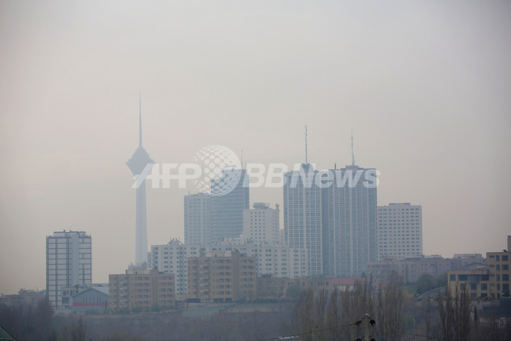 イラン首都、大気汚染による死者年間4460人