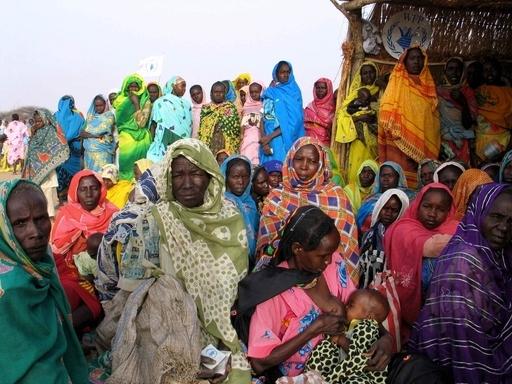 スーダン・ダルフールの難民キャンプで銃撃戦、少なくとも25人死亡