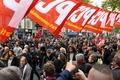 仏各地で公務員20万人が抗議デモ、政府の賃金凍結や人員削減計画に