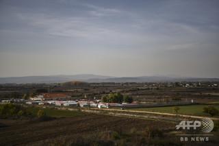 線路上に移民3人の遺体、就寝中ひかれたか ギリシャ