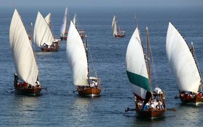 クウェートで真珠採り大会、伝統のダウ船で