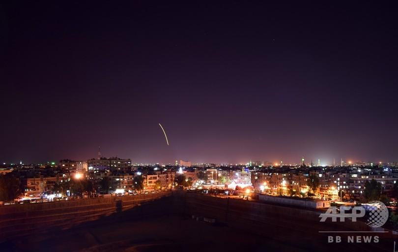 イスラエル軍、シリア首都にミサイル攻撃か