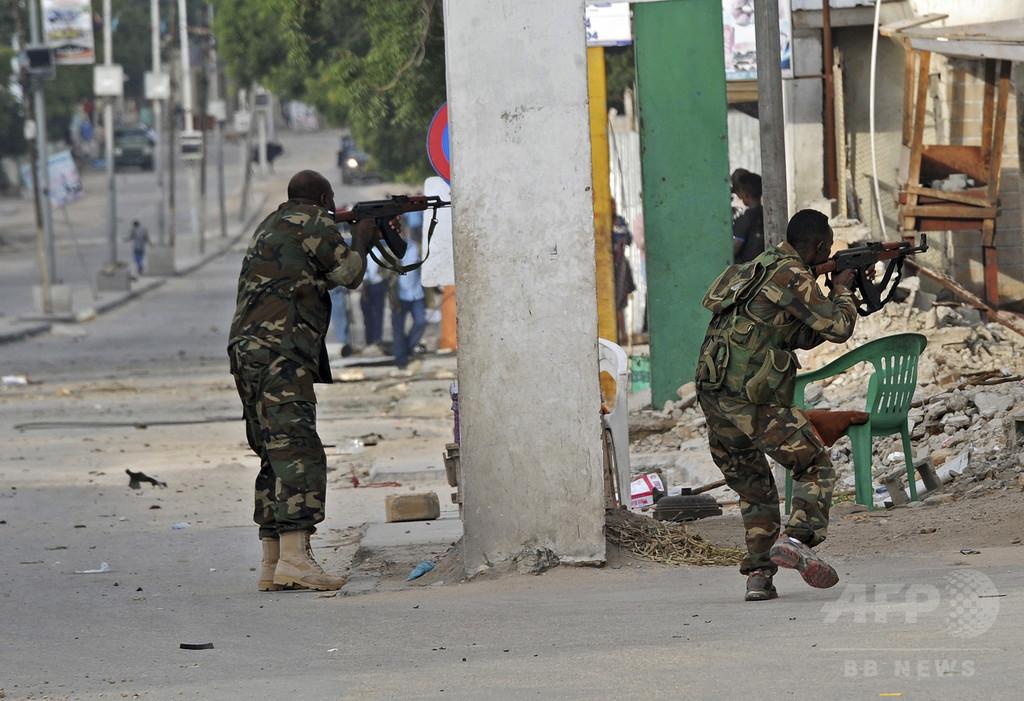 ソマリア首都でホテル襲撃、11人死亡 アルシャバーブが犯行声明