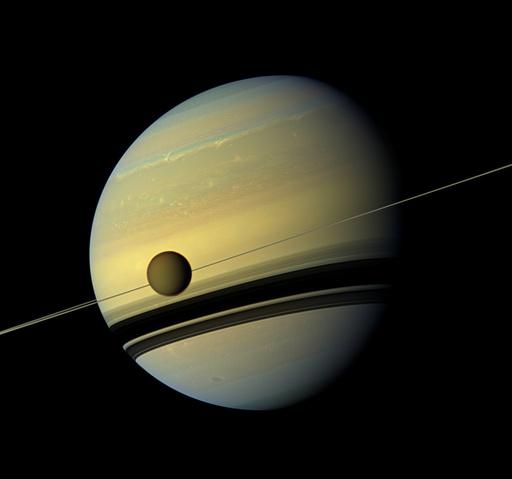 土星の衛星タイタン、地球と同じ作用で地形形成 研究