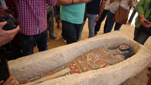 動画:「屈折ピラミッド」の一般公開再開へ 新たな発見物も披露 エジプト