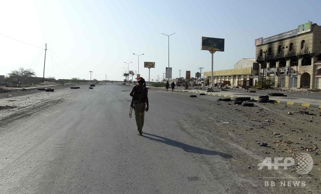 イエメンのホデイダで空爆と戦闘、29人死亡 停戦合意から数日後