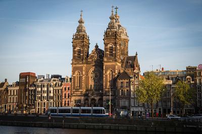 オランダのカトリック教会、聖職者の性的虐待を65年間隠ぺい 報道