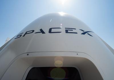 スペースXの有人宇宙船、ISSに向け来年6月に打ち上げ NASA