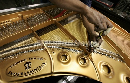 老舗ピアノのスタインウェイ、投資会社が買収